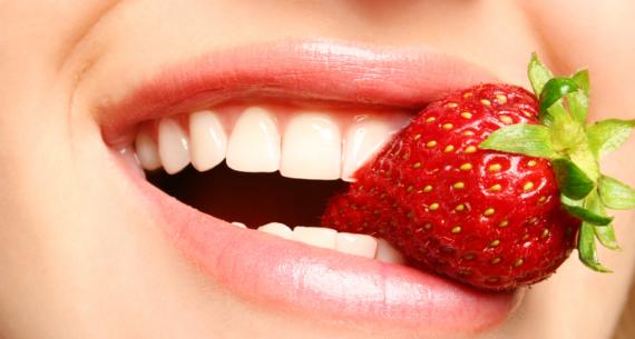 """Denti e alimentazione: alcune """"dritte"""" sull'igiene orale"""
